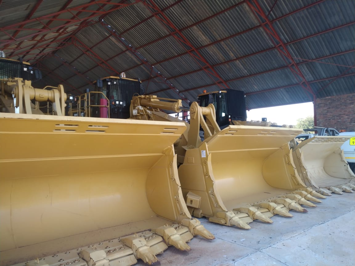 CAT 988H Loader Image
